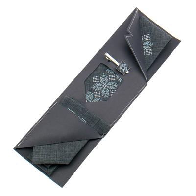 Вышитый галстук с платком и зажимом №854