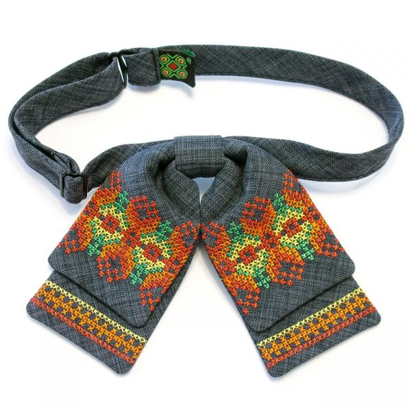 Женская бабочка-бант с вышивкой №583
